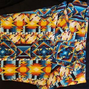 Lularoe TC Aztec print leggings